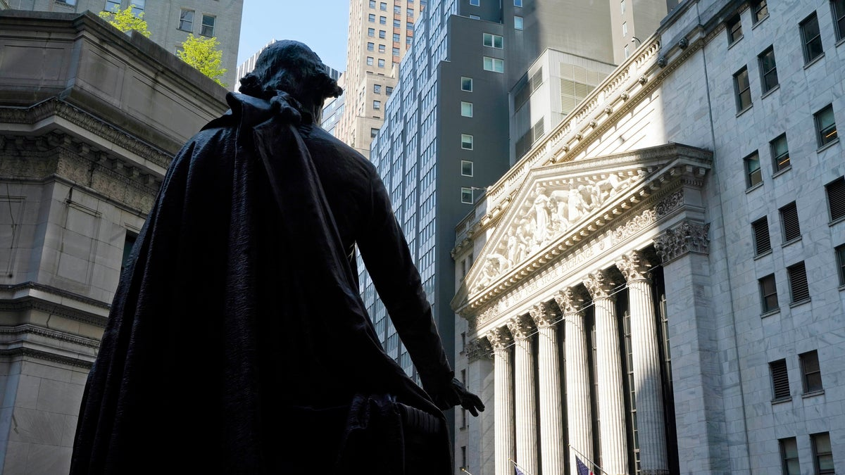 Stocks Close Sharply Lower Amid Fears of Rising Interest Rates
