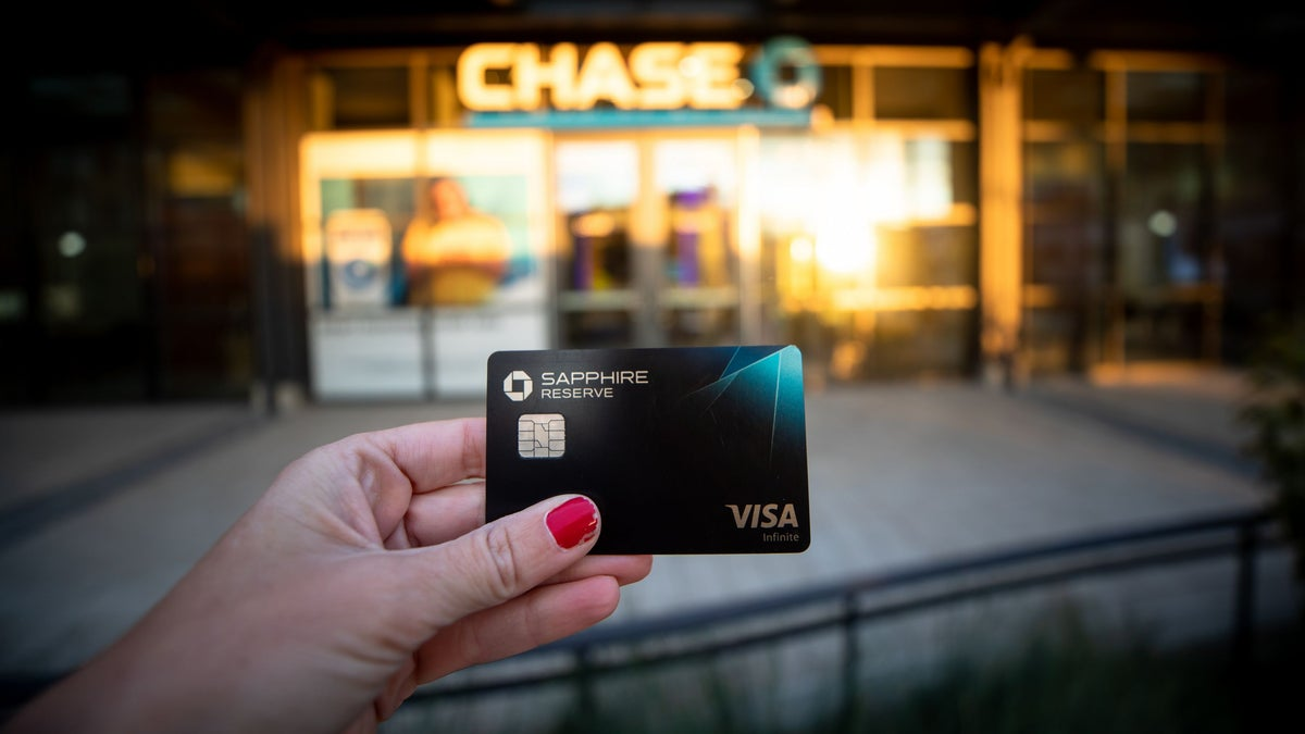 Jpmorgan Chase Ups Fee Perks On Popular Sapphire Reserve Credit Card On Cheddar