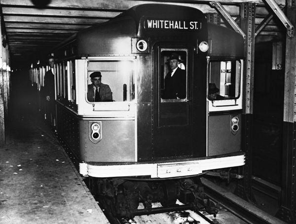 The subway in New York on November 21, 1939. (Photo by Keystone-France/Gamma-Keystone via Getty Images)