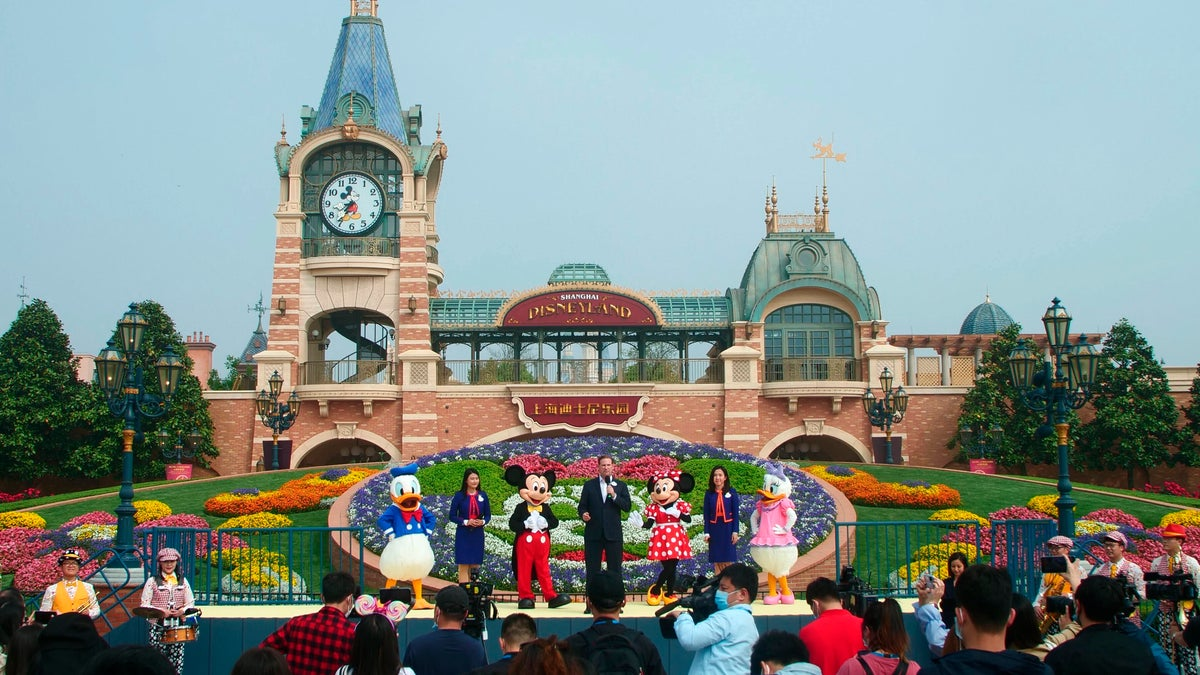 Shanghai Disneyland Reopens with Anti-Virus Controls