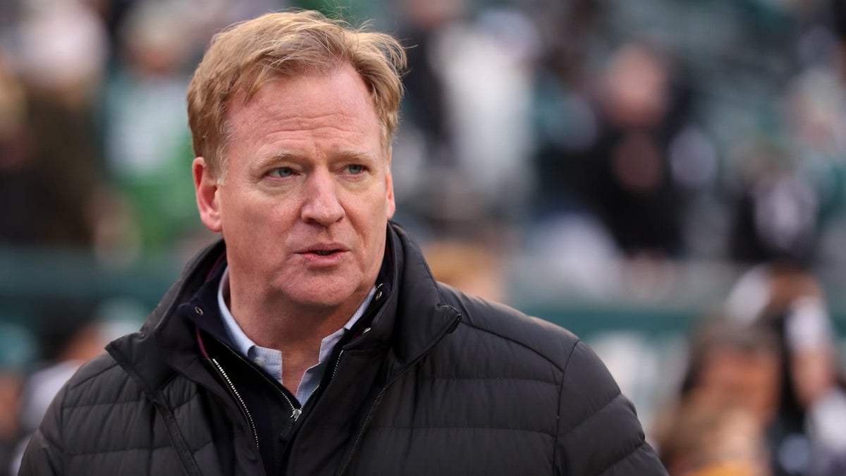 NFL Considering Selling Stakes for Its Media Properties