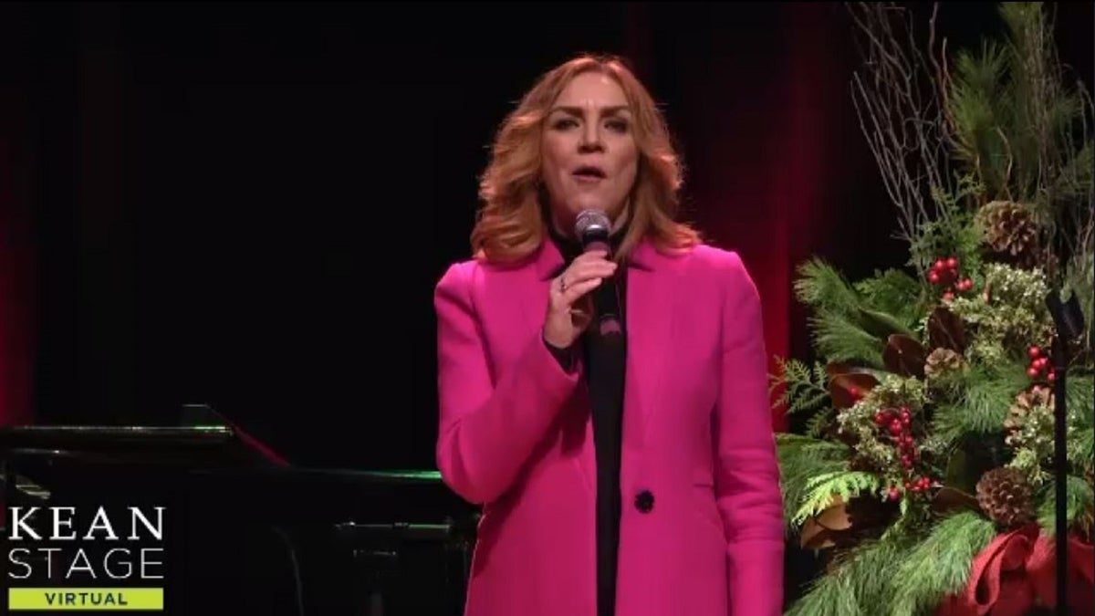 Broadway's original 'Annie' performs Christmas concert ...