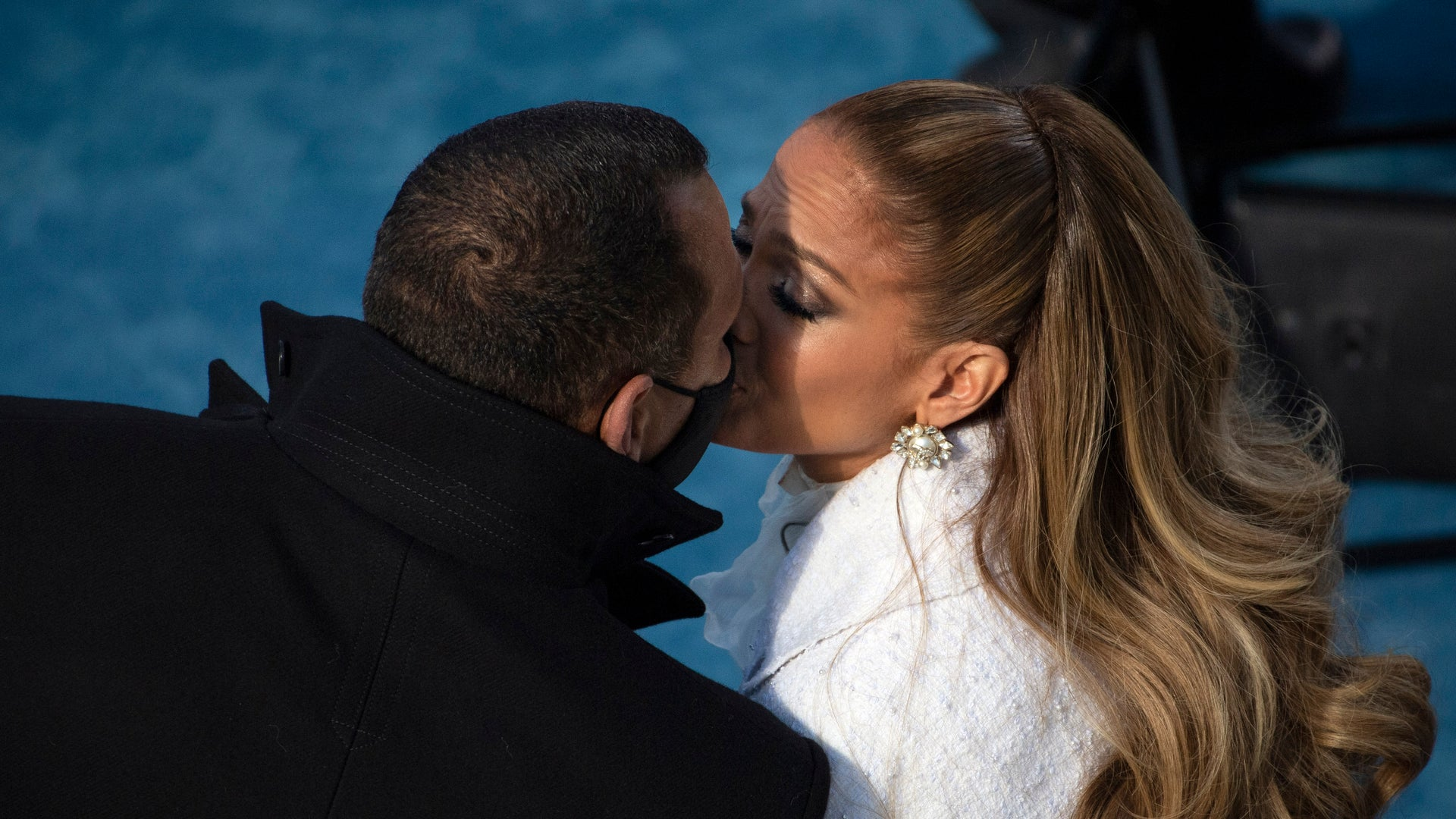 Jennifer Lopez and Alex Rodriguez officially announce breakup