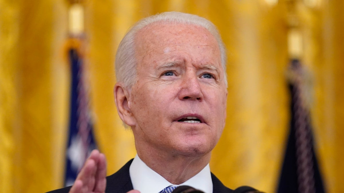 Biden Orders Tough New Vaccination Rules for Fed Government